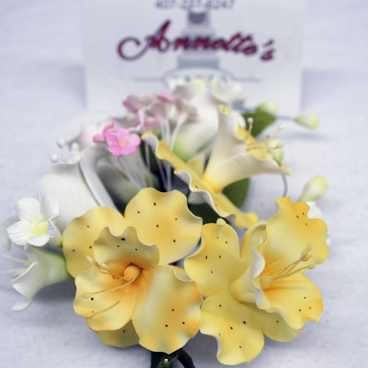 Gumpaste flowers yellow medium gumpaste flower cluster yellow trumpet blossoms izmirmasajfo