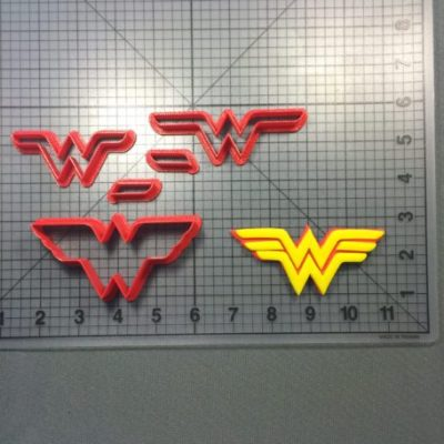 Wonder Woman Cookie Cutter set is shown along with intended result.